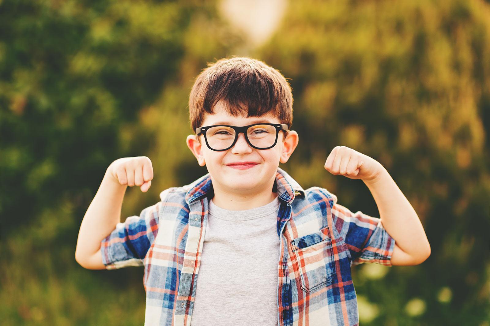 littleboy-flexing