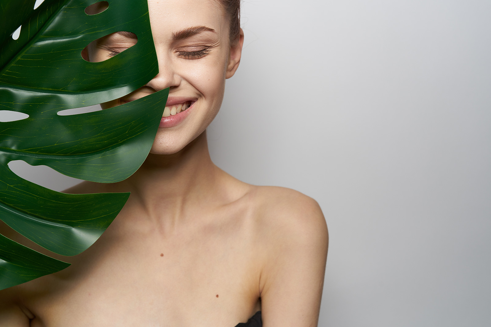 young-smiling-woman-spa