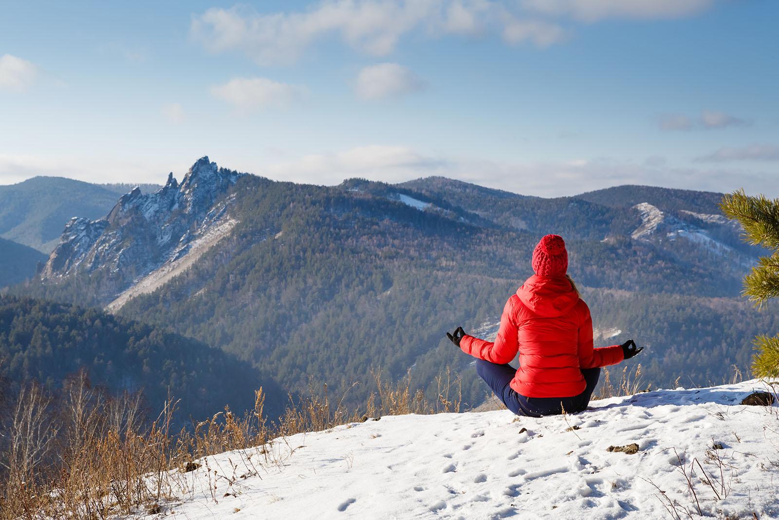 woman-on-mountain