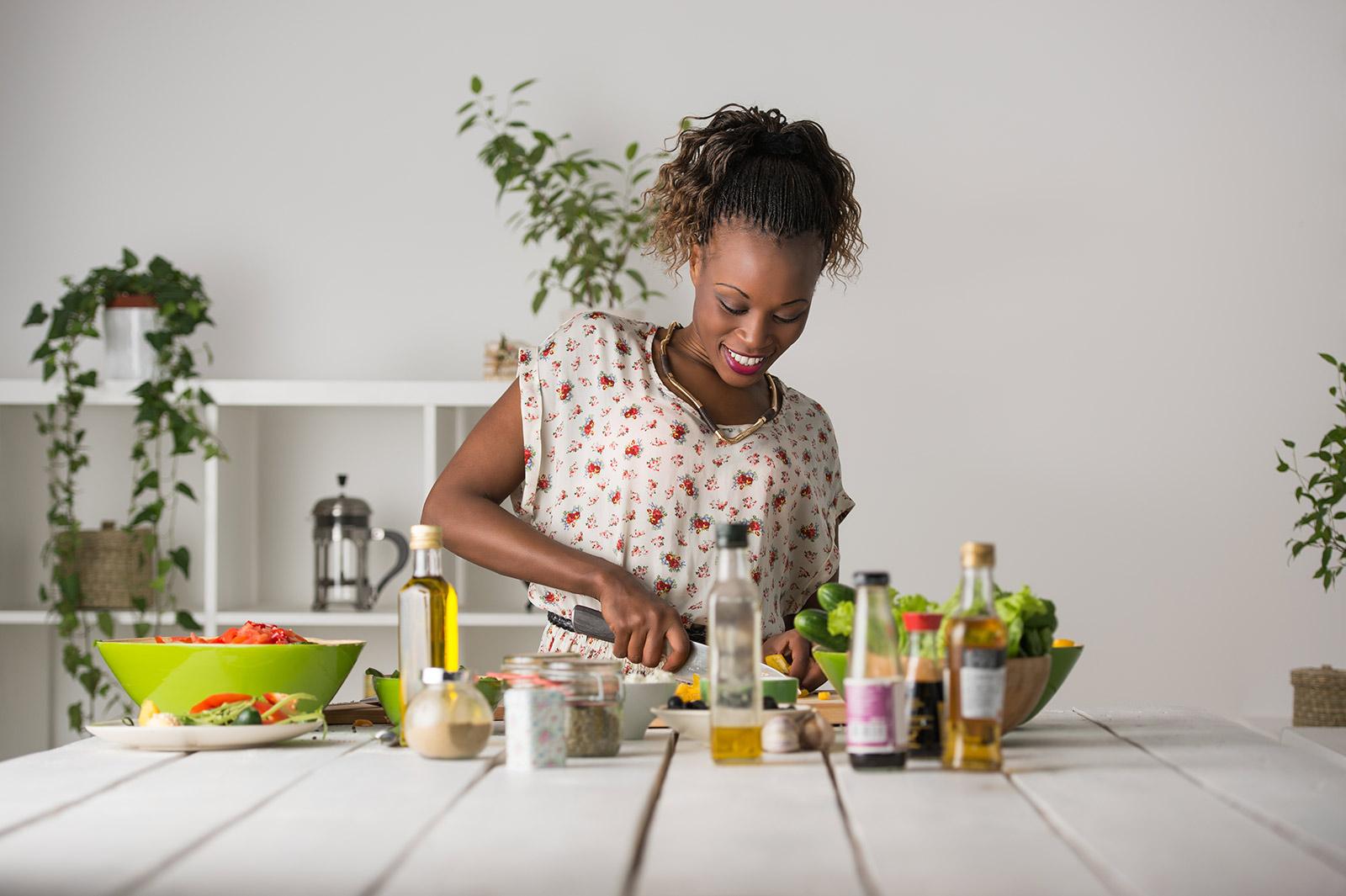 women-making-salad